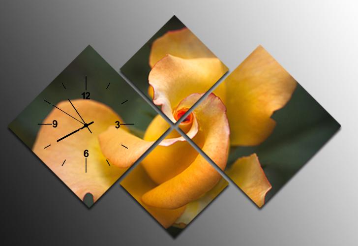 hoa hong vang trong tranh dong ho