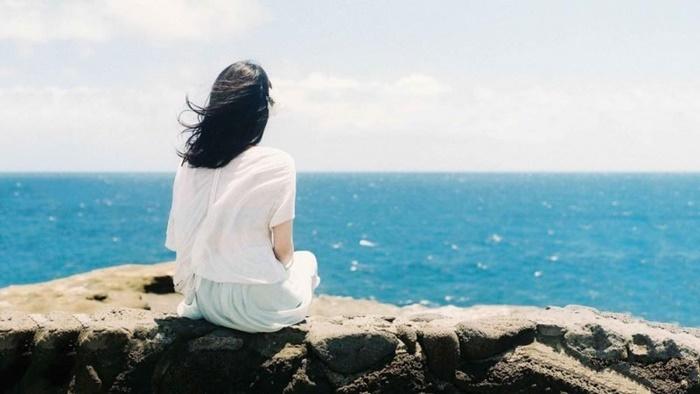 Một mình chờ đợi trong nỗi cô đơn