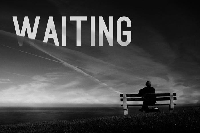 Lắng đọng chỉ với dòng chữ Waiting