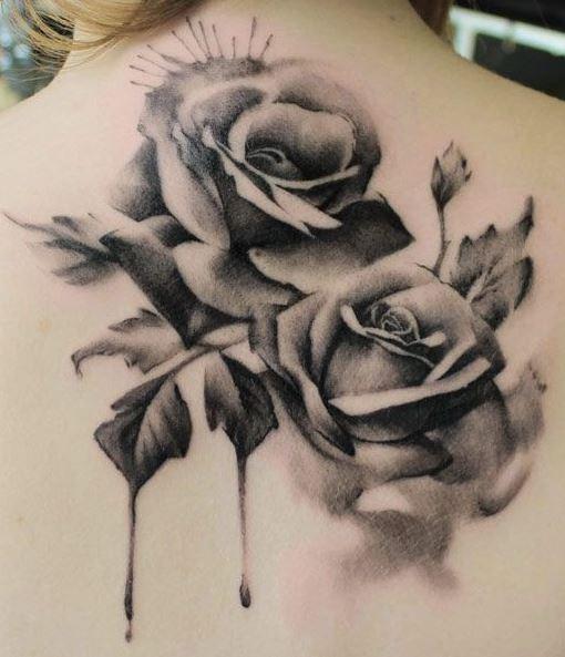 Hình xăm hoa hồng ở vai
