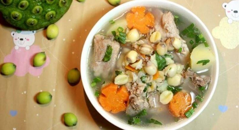Cách nấu súp sườn non mở đầu bữa ăn hoàn hảo
