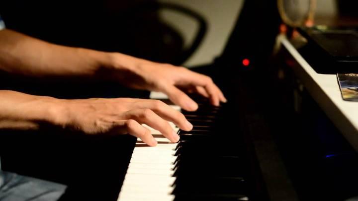 """Hướng dẫn cover """"Chúng Ta Không Thuộc Về Nhau"""" trên piano kèm sheet nhạc!"""