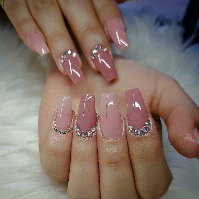 BST Xu hướng những mẫu nail đẹp nhẹ nhàng hot nhất 2019 vừa qua