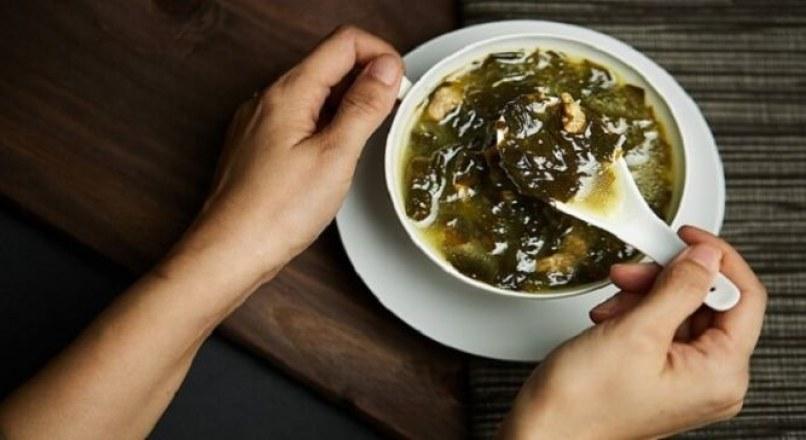 Cách nấu canh rong biển thịt bằm ngon chuẩn Hàn Quốc