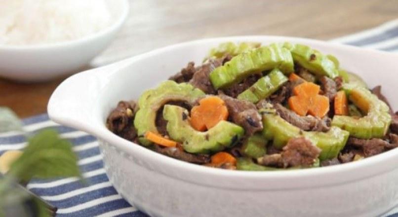Trổ tài vào bếp với cách nấu khổ qua xào thịt bò