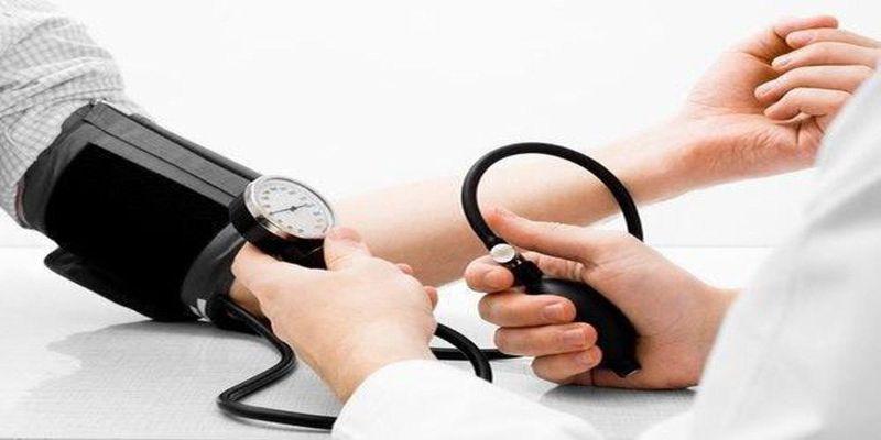 Hình 3: Hãy cẩn trọng với huyết áp đột ngột tăng cao vì có liên quan đến đột quỵ