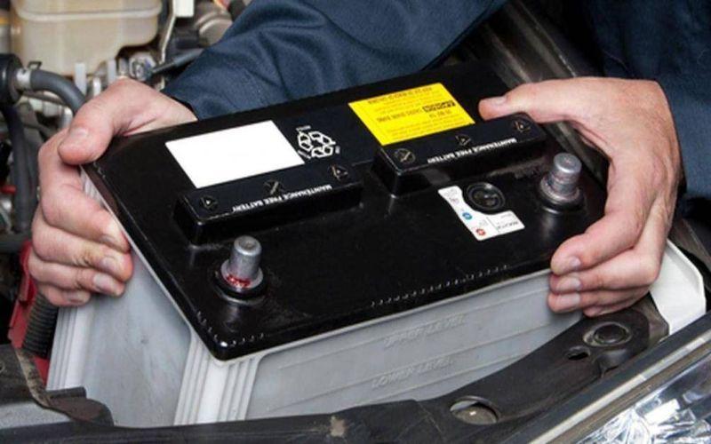 Hình 4: Người sử dụng có thể tham khảo, sử dụng các loại bình ắc quy hiện đại với nhiều chức năng