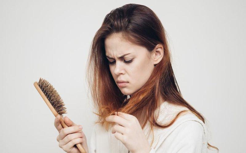 Hình 4: Những mẹ bầu có tóc khô, xơ hơn bình thường rất dễ mang thai con gái