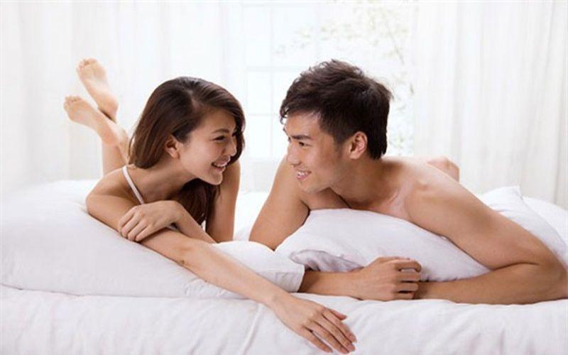 """Hình 3: Khi ham muốn """"chuyện ấy"""", có thể cô ấy sẽ nói chuyện về tình dục nhiều hơn"""