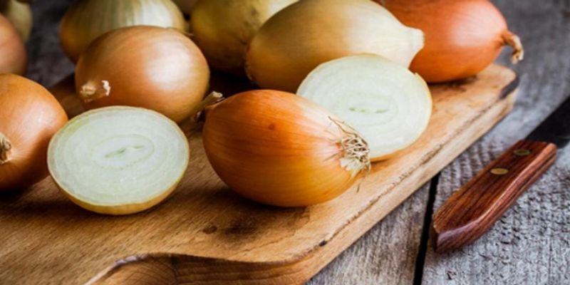 Hình 5: Hành tây được biết đến là thực phẩm giúp đàn ông thích làm chuyện đó hơn