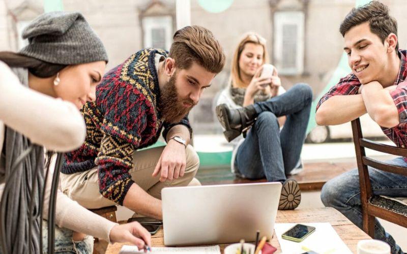Hình 3: Thế hệ Millennials dễ dàng tiếp cận và sử dụng công nghệ số