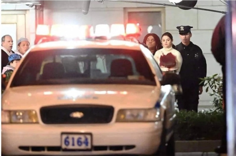 Selena Gomez bị bắt